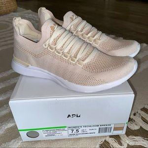 APL Techloom Breeze shoes